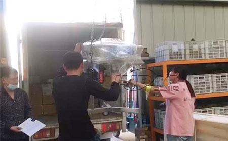 安徽芜湖客户订购的高频振动筛车间发货